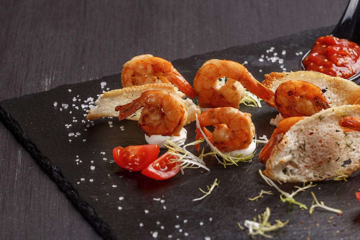 Креветки со сливочным сыром и пряным соусом